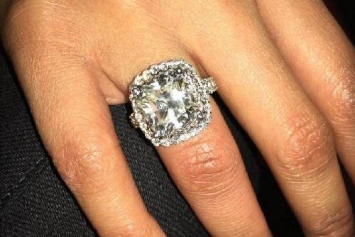 5克拉钻石戒指